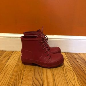 Short red Hunter rain boots